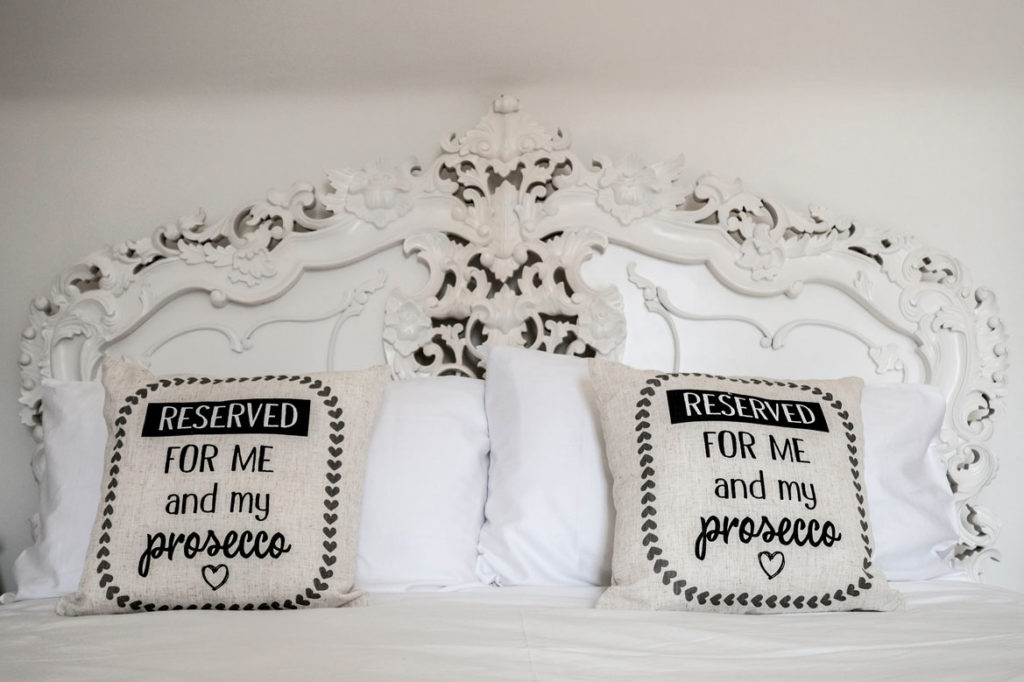 MountainGrange-63_ShabbyChic-Bedroom-Pillows
