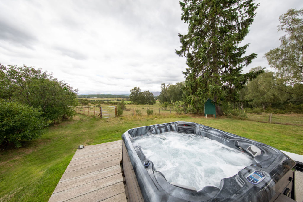 Spa-Hot-Tub-Luxury-Lodge-Aviemore-43