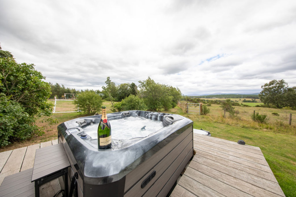 Spa-Hot-Tub-Luxury-Lodge-Aviemore-45